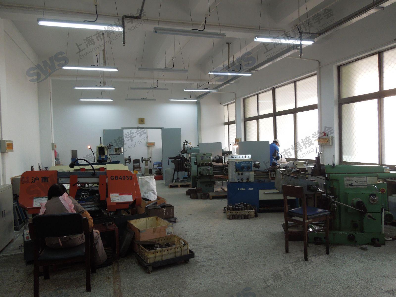 在上海市劳动局